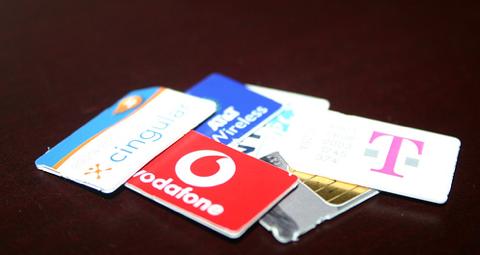 PocketWifi経由でのiPhone海外インターネット接続に役立つ、現地SIM購入ガイドが凄い